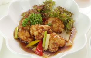 桜島鶏の黒酢風味1620円